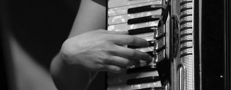 fisarmonica-1440x564_cBB